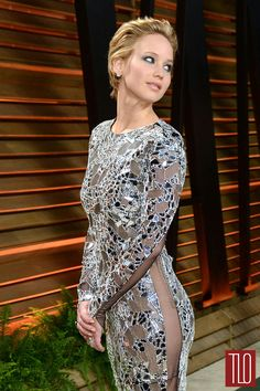 Jennifer-Lawrence-Tom-Ford-2014-Oscars-Vanity-Fair-Party-Tom-Lorenzo-Site-TLO (1)