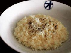 自宅でレストランの味を再現チーズのリゾット | 週末シェフ | オリーブオイルをひとまわし