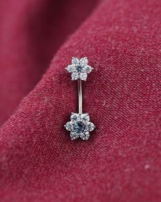 Belly button ring belly ring unique triangle by TingTingStory - Rings - Piercing Daith Piercing, Bellybutton Piercings, Tragus, Ear Piercings, Unique Piercings, Cartilage Earrings, Belly Button Piercing Cute, Belly Button Jewelry, Belly Button Rings
