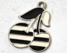 Edler vintage-Schmuck für jeden Anlass von petitebijouterie auf Etsy Vintage Jewelry, Vintage Jewellery