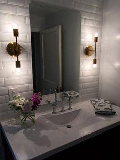Amazing DIY Bathroom Ideas, Bathroom Decor, Bathroom Remodel and Bathroom Projects to help inspire your bathroom dreams and goals. Bathroom Wall Sconces, Bathroom Vanity Lighting, Bathroom Styling, Bathroom Interior Design, Bathroom Rugs, Grey Bathrooms, Modern Bathroom, White Bathroom, Master Bathroom
