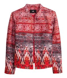 H&M's short, gently fitted jacket in woven fabric in a cotton and linen blend with a printed pattern. Small stand-up collar and no buttons