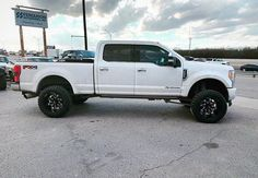 """Fabtech Motorsports on Instagram: """"Ford Super Duty equipped with a Fabtech 4"""" 4 Link System 📸: @maximum_altitude"""" Ford Super Duty, Lifted Ford, Link, Instagram"""