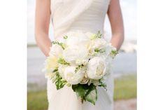 Il bouquet della sposa in total white