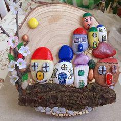 Dedinka Snow Globes, Food, Home Decor, Decoration Home, Room Decor, Essen, Meals, Home Interior Design, Yemek