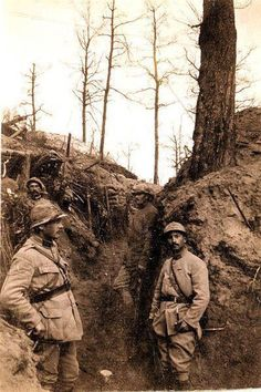 WW1. French soldiers occupying deep trenches in the Bois des Buttes near Pontavert.