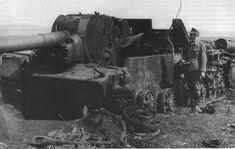 Destroyed soviet Su-152