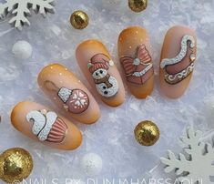 Christmas is approaching. Is your Christmas nails ready? Are sweater nails popular this year, or classic red nails, or are you still uninspired? Cute Christmas Nails, Christmas Manicure, Xmas Nails, Christmas Nail Art Designs, Red Nails, Nail Art Noel, Back To Nature, Nail String Art, Seasonal Nails