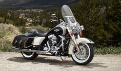 The 2014 Harley-Davidson Road King Classic | The Wealth Scene