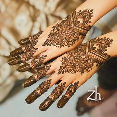 I remember this was an inspired design but i cant recall the artist. _________________________ #zubhamehndi #zubhahenna #hennasg #heena #mehendi #mehndi #design #hennaartist #hennaservice #wedding #igsg #freshhenna #inspire #hennainspire #vsco #henna #throwback