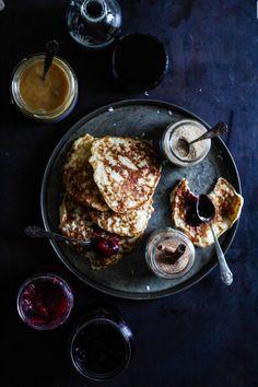 klatkager af risengrød, eller Rispletter på norsk, men ville tilsette 1-2 dl hvetemel + potetmel + 1/2 ts bakepulver, ellers følge oppskriften,