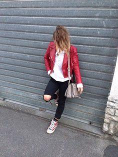 Streetstyle look!  Follow us on Instagram! @theblondegirlsdiaries