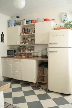 .small kitchen..ideal in our house when we make the kitchen diner into one room