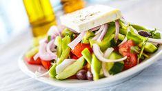 Kreikkalainen salaatti on yksinkertainen ja maukas. Feta, Cheese, Red Peppers