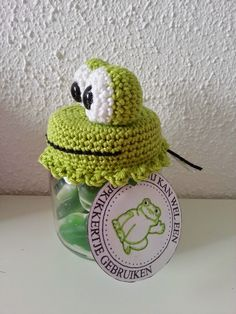 Not in English Crochet Fairy, Crochet Cozy, Love Crochet, Diy Crochet, Small Crochet Gifts, Crochet Jar Covers, Frog Crafts, Crochet World, Crochet Accessories