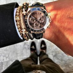 "Meaning ""invincible"" in Latin, Invicta watches were really made as early as Creator Raphael Picard wanted to bring customers high quality Swiss watches… Rolex Daytona Rose Gold, Cool Watches, Watches For Men, Dream Watches, Buy Sell Trade, Swiss Army Watches, Beautiful Watches, Amazing Watches, Elegant Watches"