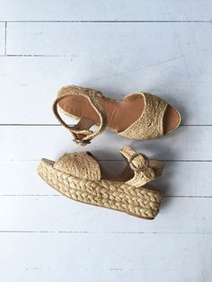 Super cool Robert Clergerie woven rattan platform sandals with open toe, wide ankle strap, nice leather insole and treaded sole. …