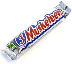 Who wins the Sugar battle on Bastille Day? Chocolate Éclair vs Three Musketeers #bonapp #health #sugar #weightloss #eclair #chocolate