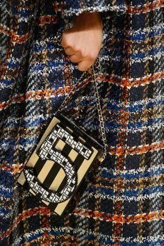 Chanel Nr. 5 - Chanel: de Tassen uit de Herfst/Winter 2015-16 Show - Fashion Week - Fashion