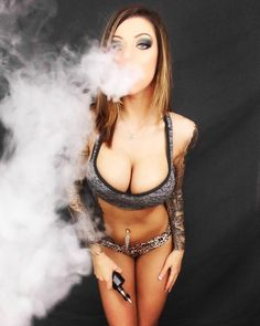 She's just gorgeous!! I want her top... think I should wear something similar for my next photo shoot? http://dryherbvaporizer.review/