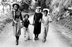 Rare and awesome photo of Bob Marley's children: SHARON, STEPHEN, CEDELLA and ZIGGY, Blue Mountain, Jamaica, 1980 © Lindsay Oliver Donald