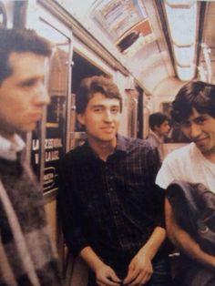 Los Prisioneros en el metro de Santiago. Kill Your Darlings, Amy Winehouse, Whisper, Rock Bands, Itunes, The Past, Collage, Posters, Couple Photos
