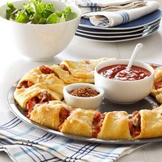 What's For Dinner? Make a Yummy Pizza Ring!