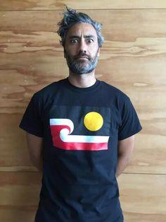 Taika's new Twitter pic 2015. I like the flag shirt.