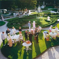Garden Party by Slim Aarons (Lambda Print) Slim Aarons, Tres Belle Photo, Old Money, Attractive People, Outdoor Fun, Palm Springs, Photos, Pictures, Canvas Art Prints
