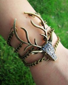Deer Antler Bracelet - Unique and One Of A Kind Hunting Jewelry Cute Jewelry, Jewelry Shop, Fashion Jewelry, Jewelry Making, Teen Jewelry, Boho Jewelry, Unique Jewelry, Silver Bracelets, Jewelry Bracelets