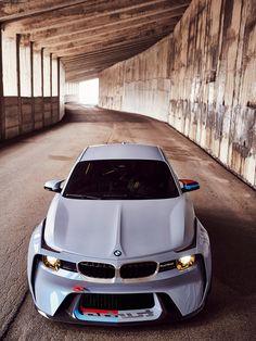 카 스파이샷 Car Spyshot :: 'M2'의 사랑스런 변신 - 2016 BMW 2002 Hommage