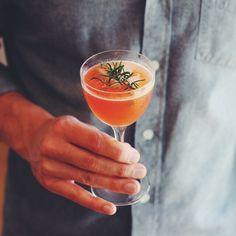 Bourbon, aperol, lemon, honey syrup (and rosemary) Refreshing Cocktails, Yummy Drinks, Shake Recipes, Fall Recipes, New Years Cocktails, New Years Appetizers, After Dinner Drinks, Bar Spoon, Honey Syrup