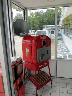 20110926 24 Vintage Coke Machine, Valdese, NC by davidwilson1949, via Flickr