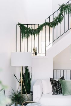 Keeping things neutral and simple, my holiday decor is inspired by my Scandinavian routes. Take a holiday home tour and see my Christmas additions! Modern Holiday Decor, Seasonal Decor, Modern Decor, Scandi Living Room, Rv Living, Scandinavian Holidays, Home Decor Trends, Decor Ideas, Of Wallpaper