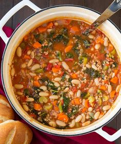 Mediterranean Kale, Cannellini and Farro Stew   http://homemaderecipes.com/course/soups-stews-chilis/14-hearty-soup-recipes/