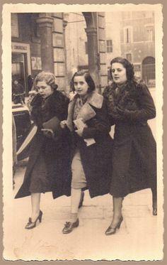 Le mie radici vengono da qui: 24 Febbraio 1938, senza un soldo in tasca ma ricche di eleganza, stile e voglia di vivere!!! Siate le donne del domani, ma ricche dei valori di ieri. Dedicated to all women who dare! #mariaclaudia #leorigini