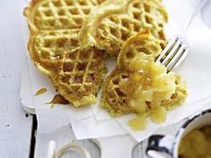 Potato waffles with apple compote recipe DELICIOUS - Potato waffles with apple compote Potato pancakes in a waffle iron! Waffle Recipes, Baby Food Recipes, Cake Recipes, Cooking Recipes, What's Cooking, Yummy Recipes, Apple Compote Recipe, Amazing Food Photography, Potato Waffles