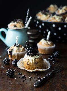 Oreo Brombeer Muffins + Food Fotografie Tipps