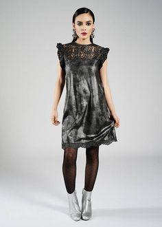 Retrouvez cet article dans ma boutique Etsy https://www.etsy.com/fr/listing/545191520/robe-trapeze-grise-robe-sans-manche-robe