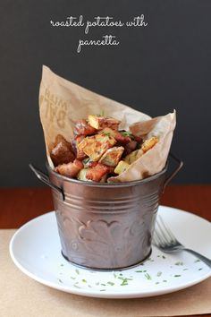 Crispy roasted potatoes with garlic and pancetta