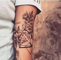 61 tattoos that are tiny and beautiful - Tattoos - Tatouage Dreieckiges Tattoos, Bild Tattoos, Forearm Tattoos, Love Tattoos, Beautiful Tattoos, Black Tattoos, Body Art Tattoos, Small Tattoos, Tattoos For Guys