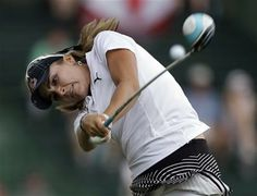 Lexi Thompson hits her tee shot on the 13th hole during the second round of the U.S. Women's Open golf tournament in Pinehurst, N.C., Friday, June 20, 2014. (AP Photo/Bob Leverone) ▼20Jun2014AP|Wie sets a standard in Women's Open at Pinehurst http://bigstory.ap.org/article/wie-sets-standard-womens-open-pinehurst #US_Womens_Open_Championship_2014