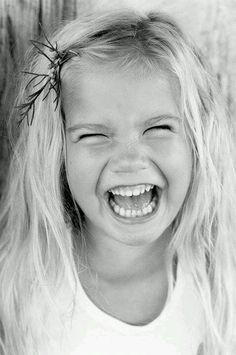 ...e seja feliz, hoje! Porque motivos você tem de sobra!