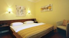 Hotel Garni Schick - 3 Star #Guesthouses - $74 - #Hotels #Germany #BadHomburgvorderHöhe http://www.justigo.us/hotels/germany/bad-homburg-vor-der-hohe/schick_208893.html