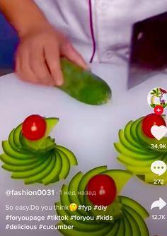 Easy Food Art, Food Art For Kids, Creative Food Art, Amazing Food Decoration, Amazing Food Art, Food Design, Food Garnishes, Garnishing Ideas, Kreative Snacks