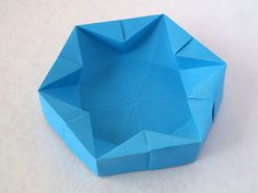 Hexagonal Box Origami: From a hexagonal sheet with 12 cm side about, copy paper. Designed and folded by Francesco Guarnieri, July Origami Bowl, Origami Art, Origami Ideas, Geometric Origami, Origami Design, Origami Folding, Copy Paper, General Crafts, Some Pictures