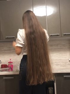 Super Long Hair, Big Hair, Long Hair Models, Long Hair Play, Long Hair Video, Long Brown Hair, Playing With Hair, Silky Hair, Beautiful Long Hair