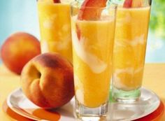 Licuado de durazno, yogurt y leche de soya para la menopausia y osteoporosis