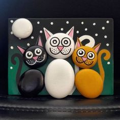 """Find and save images from the """"Kreativ - Rock / Stone / Pebble Art"""" collection by Gabis Welt :) (gabi_zitzen) on We Heart It, your everyday app to get lost in what you love. Pebble Painting, Pebble Art, Stone Painting, Rock Painting, Diy Painting, Stone Crafts, Rock Crafts, Arts And Crafts, Caillou Roche"""