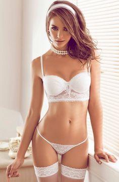 Nicole Meyer - Besame Lingerie (29 JPG)